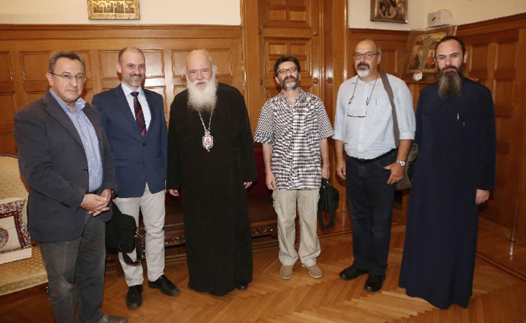 Μέλη του Πανελληνίου Θεολογικού Συνδέσμου «ΚΑΙΡΟΣ» στον Αρχιεπίσκοπο
