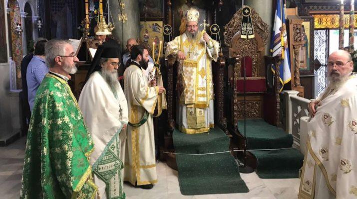 Η Ύψωσις Του Τιμίου Σταυρού Στον Ιερό Ναό Αγίων Κωνσταντίνου Και Ελένης Λαρίσης