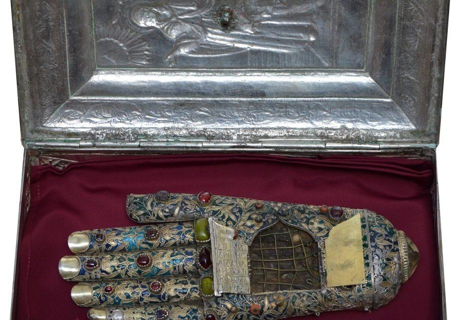 Η Τιμία & άφθαρτη Χείρα της Αγίας Άννης στο Μαρούσι Αττικής