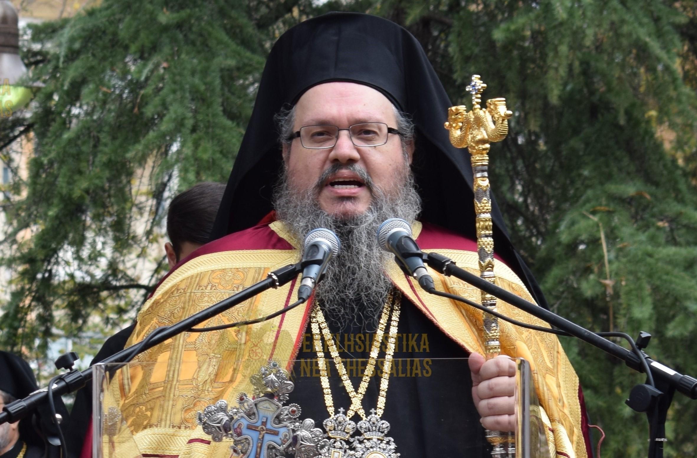 Λαρίσης Ιερώνυμος: Τα Χριστούγεννα οι άνθρωποι να ασκήσουν το δικαίωμα της δημόσιας λατρείας που είναι συνταγματικά κατοχυρωμένο
