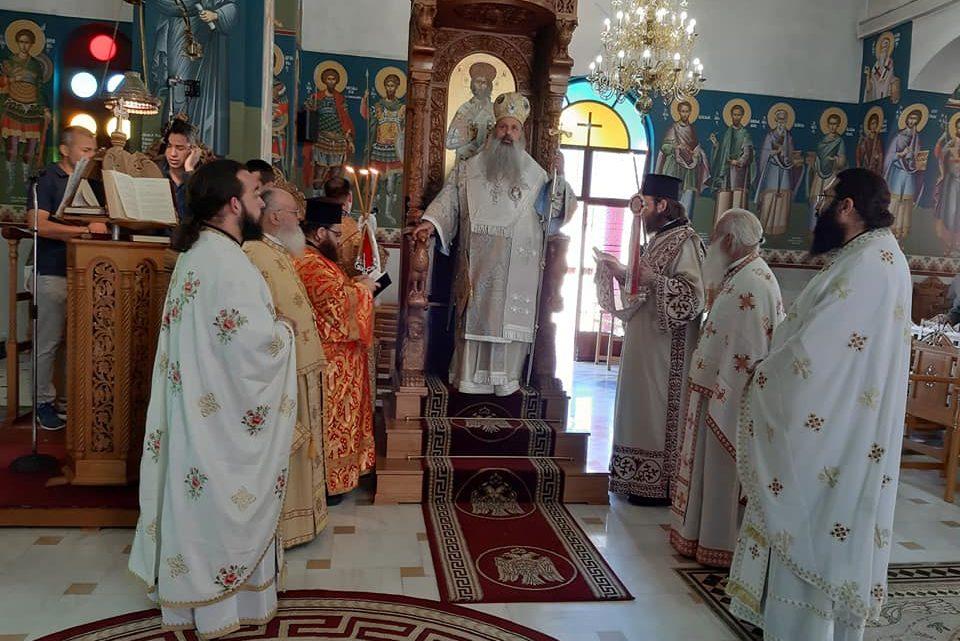 Πανηγυρική Θεία Λειτουργία στον εορτάζοντα Ιερό Ναό των Αγίων Κωνσταντίνου και Ελένης Καλαμπάκας