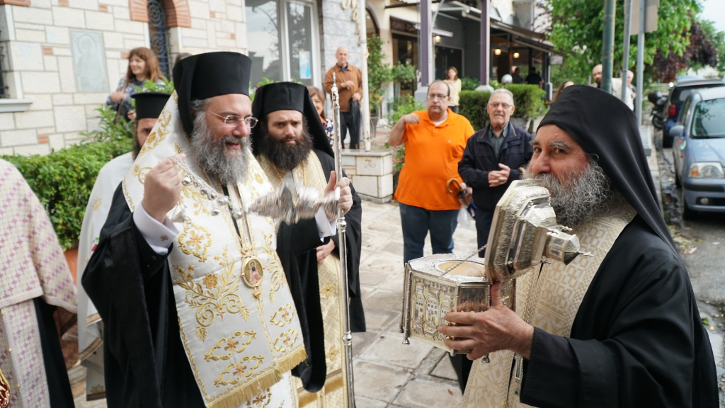 Τα Τρίκαλα υποδέχθηκαν την Κάρα του Αγίου Βησσαρίωνος