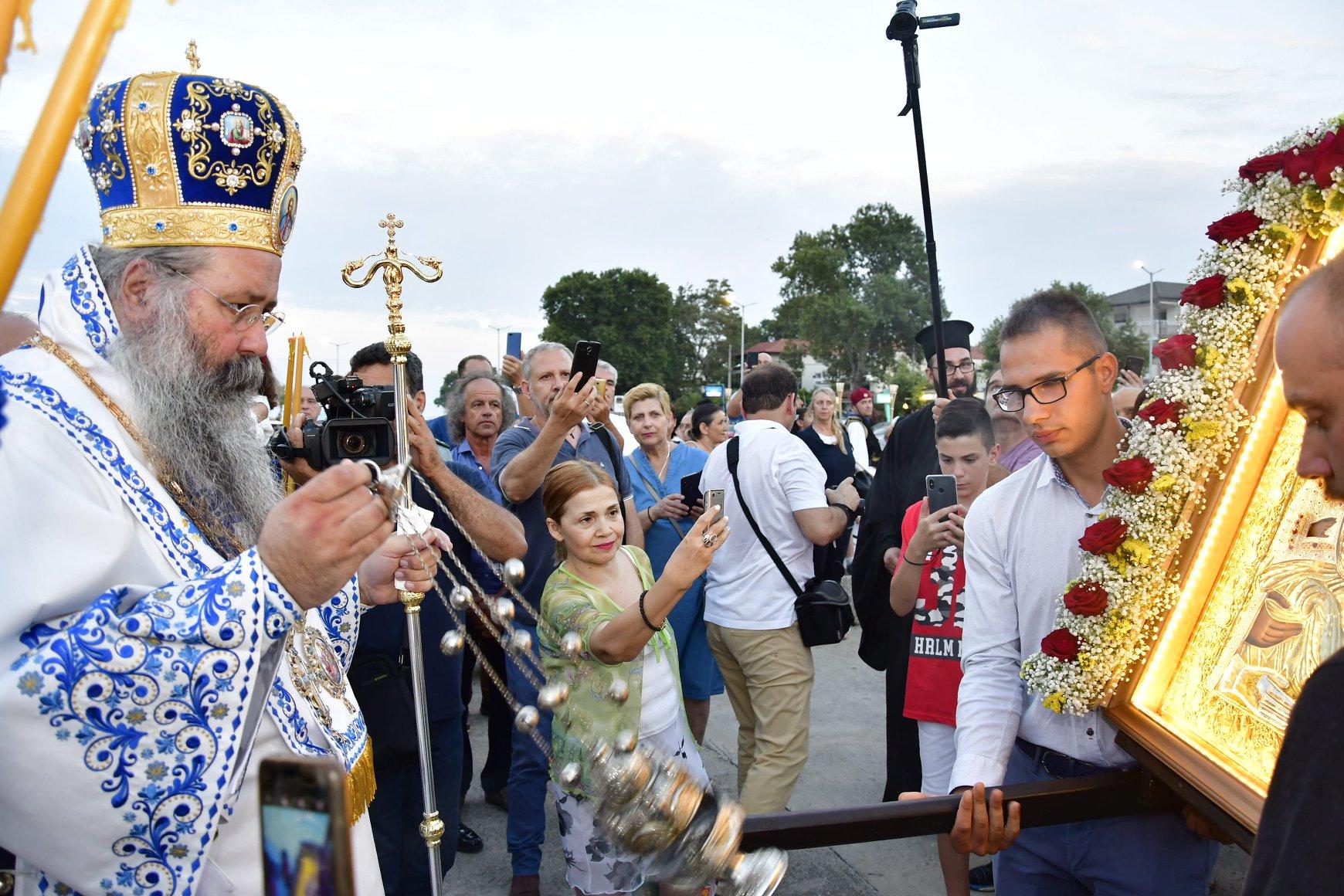 Σε Κλίμα Κατάνυξης ο Πλαταμώνας Υποδέχθηκε την Παναγία Τριχερούσα