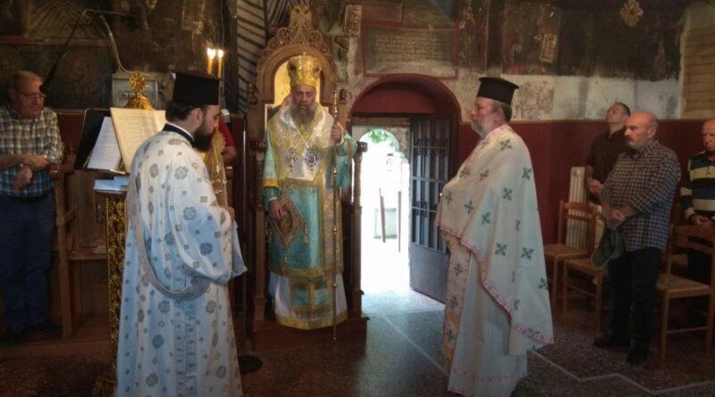 Θεία Λειτουργία στον Ιερό Ναό Κοιμήσεως της Θεοτόκου Πορτίτσας