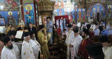 Η ακολουθία του Εσπερινού στον πανηγυρίζοντα Ιερό Ναό Αγίας Παρασκευής Φαρσάλων
